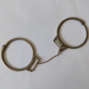 Jewelmint Handcuffs Bracelet